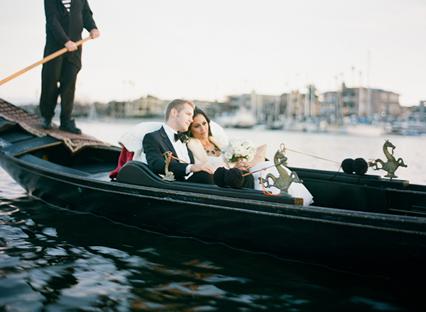 gondola wedding, long beach, holiday wedding