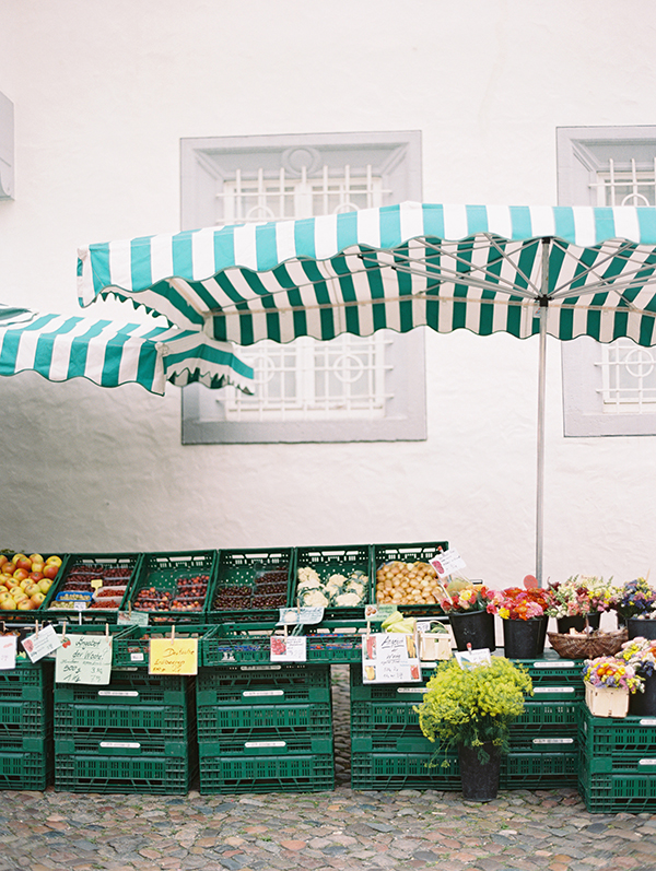 marketplace, germany, wittenberg, dresden, travelphotography,contax645,filmphotography