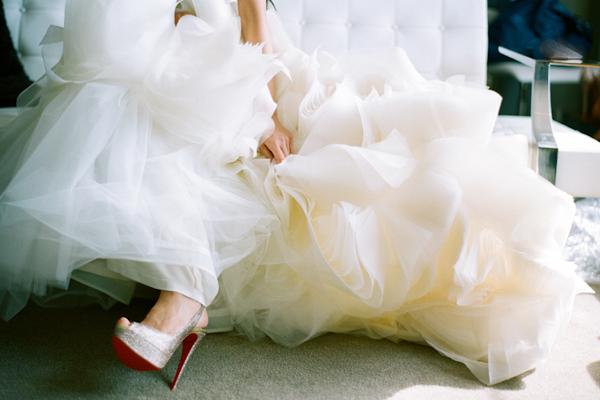 verawangwedding,verawangdress,bridegettingready,slshotelwedding,